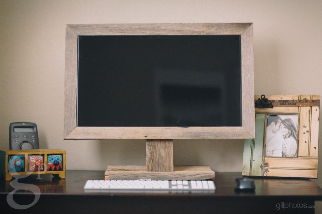 Barnwood Computer Setup for Photographers