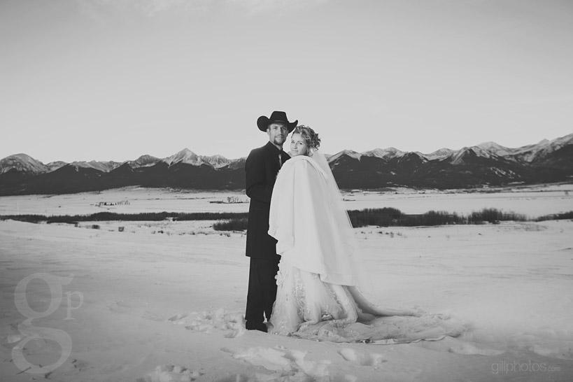 Colorado-Winter-Wedding-Westcliffe-CO-13