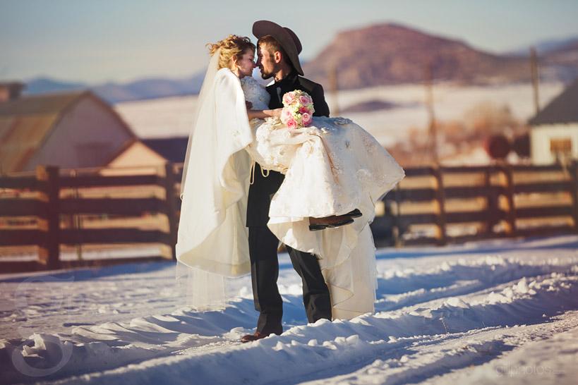 Colorado-Winter-Wedding-Westcliffe-CO-8