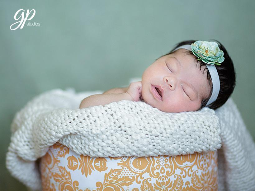 Newborn-Photographer-Windor-38