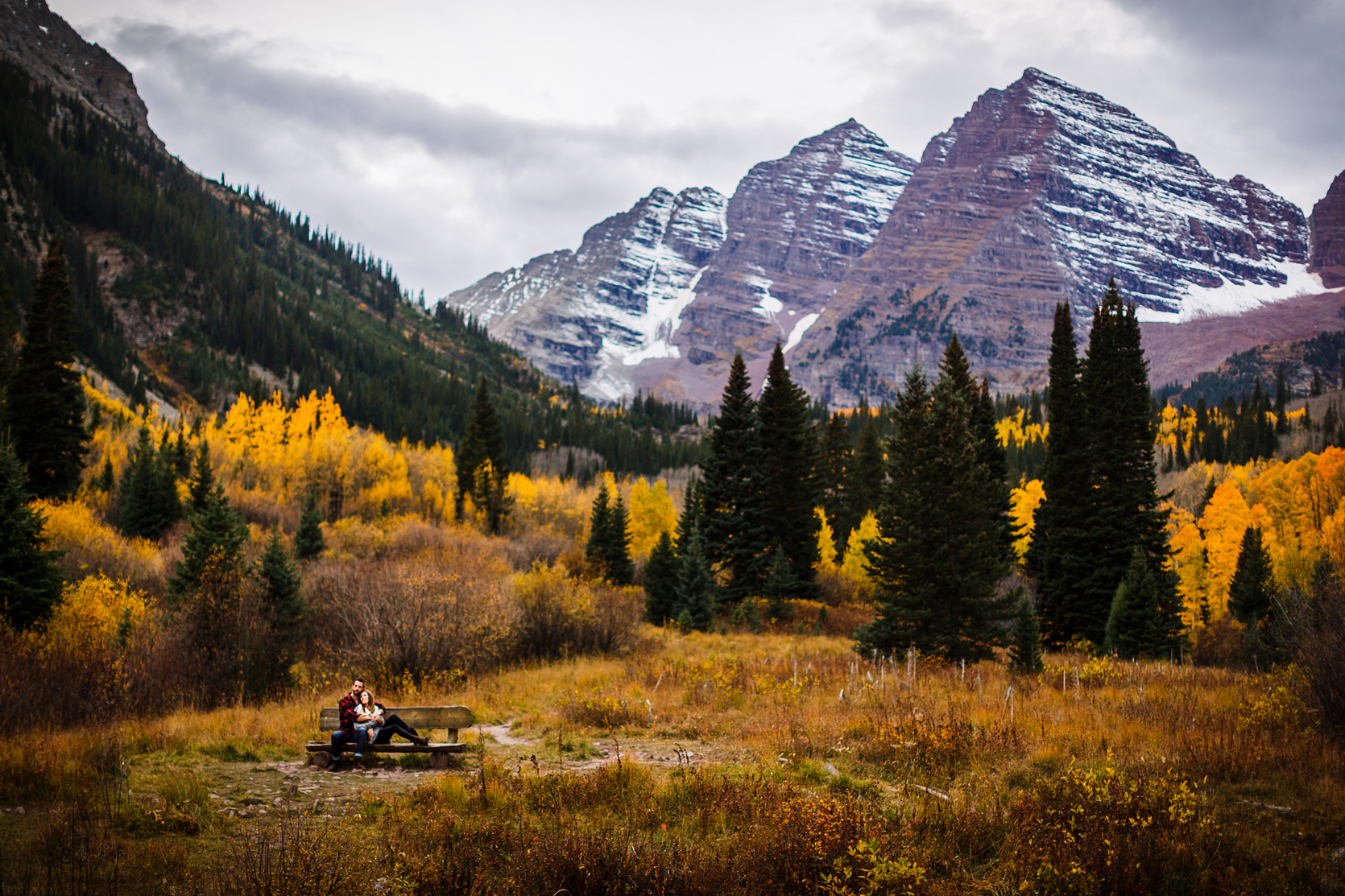 Fall engagement photo at the Maroon Bells