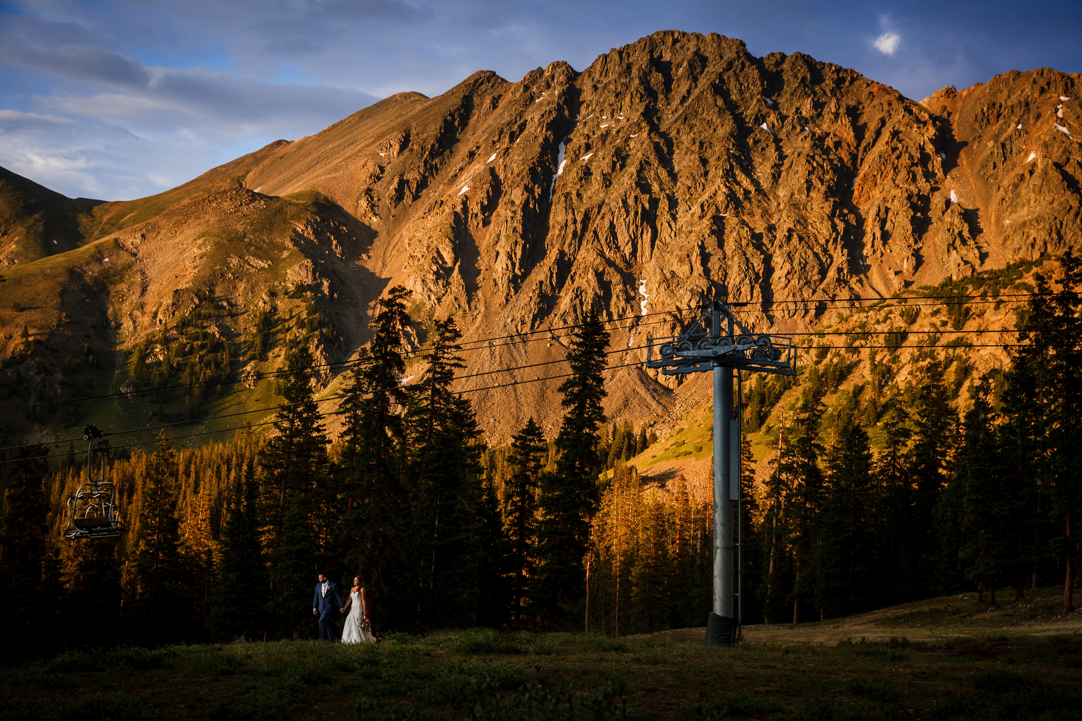 The newly wed couple with the East Wall Alpin Glow for their A Basin Wedding